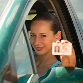 Моня Рапопорт - Учитель вождения в Израиле. Инструктор по вождению в центре Израиля.
