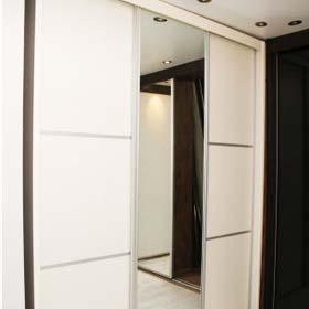 Мебельный магазин в Ришон ле Ционе «Хен Аронот». Шкафы в Израиле. Шкафы – купе в Израиле.