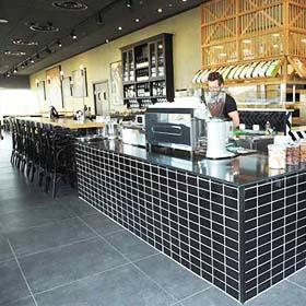 Ресторан в Холоне «Le Bistro Bar». Французская выпечка в Холоне. Ресторан морепродуктов в Холоне. Мясной ресторан в Холоне. Рестораны Израиля.