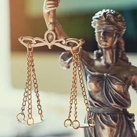 Адвокат в Холоне. Нотариус в Холоне. Адвокат по недвижимости в Холоне. Адвокат Елена Николаева.